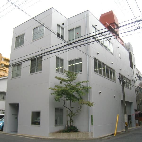 広島営業所の外観です。広島市中区にあり、広島市を中心に工事を担当しています。